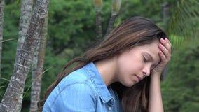 Muchacha adolescente triste o persona deprimida Imagenes de archivo