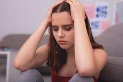 Muchacha adolescente triste que experimenta la depresión Imágenes de archivo libres de regalías