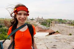 Muchacha adolescente ucraniana que permanece al aire libre Fotografía de archivo