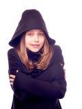 Muchacha adolescente vestida en capa Foto de archivo