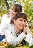 Muchacha adolescente y su madre Imagen de archivo
