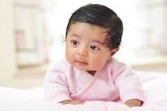 Muchacha adorable con el pelo negro Imagen de archivo libre de regalías