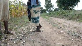 Muchacha africana almacen de metraje de vídeo