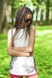 Muchacha afroamericana del adolescente con Niza los Dreadlocks Fotografía de archivo