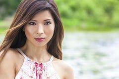 Muchacha asiática china hermosa de la mujer joven Fotografía de archivo