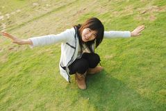 Muchacha asoleada asiática Foto de archivo libre de regalías