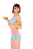 Muchacha atlética con pesas de gimnasia fotos de archivo libres de regalías