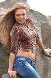 Muchacha atractiva con la cintura abierta Imágenes de archivo libres de regalías