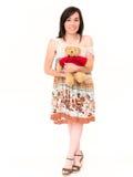 Muchacha atractiva con Toy Bear en un estudio Imágenes de archivo libres de regalías