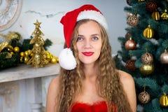 Muchacha atractiva de Santa Fotografía de archivo