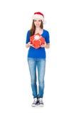 Muchacha atractiva del adolescente con un regalo de Navidad Imagen de archivo libre de regalías