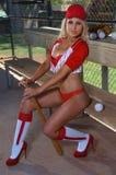 Muchacha atractiva del béisbol Imagenes de archivo
