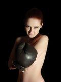 Muchacha atractiva en guante de boxeo Fotografía de archivo libre de regalías