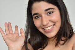 Muchacha bastante adolescente amistosa Imagenes de archivo