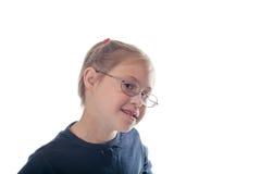 Muchacha blanca del retrato del pecho con los vidrios que llevan del pelo rubio Foto de archivo