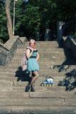Muchacha bonita con el pelo rosado Imagenes de archivo