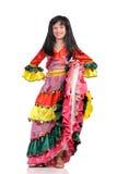Muchacha bonita con en la alineada colorida Fotos de archivo