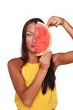Muchacha bonita con la fruta Fotos de archivo libres de regalías