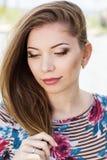Muchacha bonita con maquillaje agradable Fotografía de archivo libre de regalías