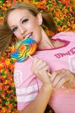 Muchacha bonita del caramelo Foto de archivo libre de regalías