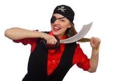 Muchacha bonita del pirata que sostiene la espada aislada en blanco Foto de archivo