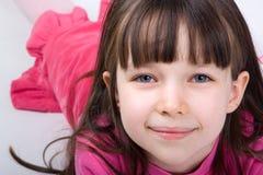 Muchacha bonita en color de rosa Fotografía de archivo libre de regalías