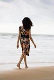 Muchacha bonita en la playa Fotos de archivo libres de regalías