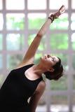 Muchacha bonita en yoga Fotografía de archivo libre de regalías