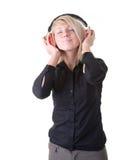 Muchacha bonita que disfruta de su música imágenes de archivo libres de regalías