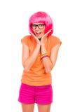 Muchacha cabelluda rosada sonriente en vidrios. fotos de archivo libres de regalías