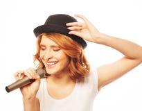 Muchacha cantante feliz Imagen de archivo libre de regalías