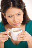 Muchacha con café. imagen de archivo