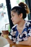 Muchacha con café Foto de archivo