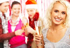 Muchacha con champán fotografía de archivo libre de regalías
