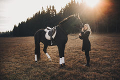 Muchacha con el caballo Foto de archivo