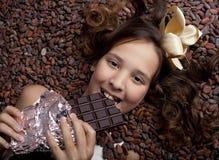 Muchacha con el chocolate Imagen de archivo