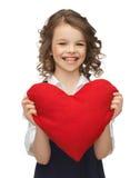 Muchacha con el corazón grande Fotografía de archivo