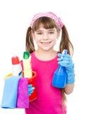 Muchacha con el espray y el cubo en las manos listas para ayudar con la limpieza Aislado Fotografía de archivo libre de regalías