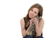 Muchacha con el gato Imagen de archivo libre de regalías