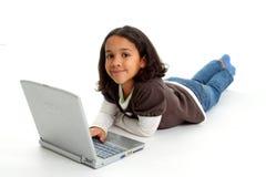 Muchacha con el ordenador Foto de archivo