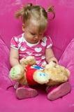 Muchacha con el oso de peluche fotografía de archivo libre de regalías