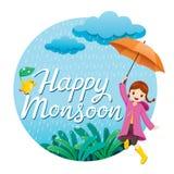 Muchacha con el paraguas y el impermeable que saltan en la lluvia juguetónamente encendido Imagenes de archivo