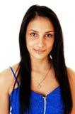 Muchacha con el pelo negro largo. Imagen de archivo