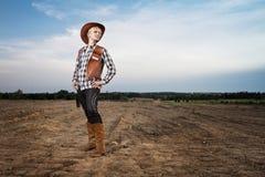 Muchacha con el sombrero de vaquero Imagenes de archivo