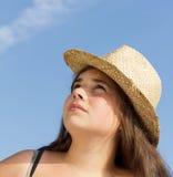 Muchacha con el sombrero del sol Foto de archivo