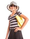 Muchacha con el sombrero del verano, las gafas de sol y el bolso VII Foto de archivo libre de regalías