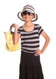 Muchacha con el sombrero del verano, las gafas de sol y el bolso VIII Imagen de archivo libre de regalías
