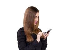 Muchacha con el teléfono móvil a disposición Estilo del asunto Fotos de archivo