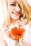 Muchacha con el tulipán Fotos de archivo libres de regalías