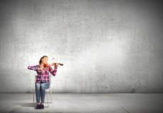Muchacha con el violín Imagenes de archivo